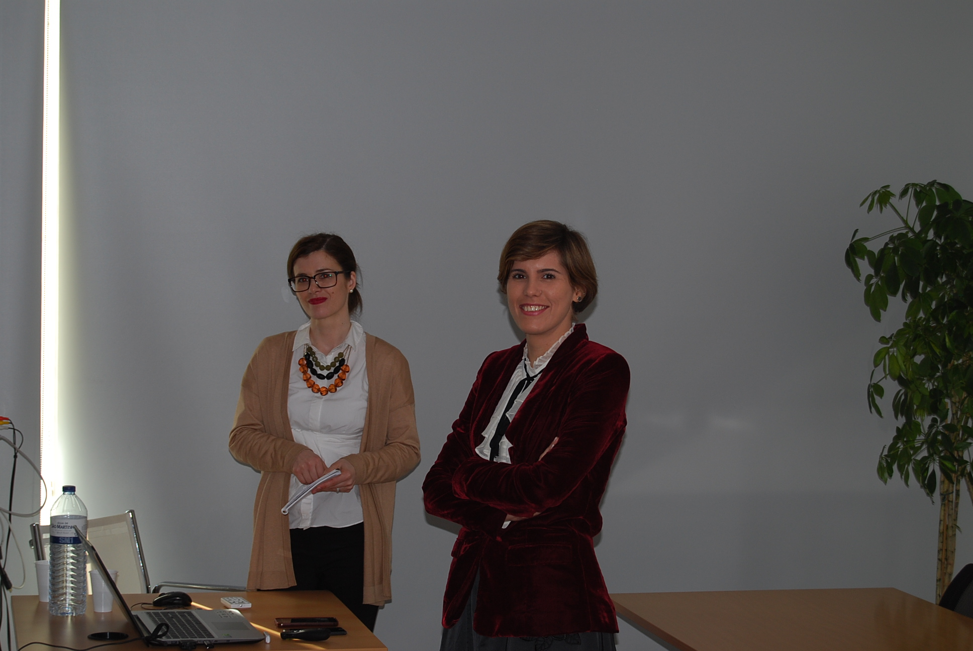 """""""The research experience of two young researchers"""", in the first session of the Doctoral Seminars 2016-2017"""